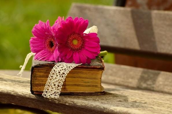 """Prasówka: Światowy Dzień Poezji, pustelnica Emily Dickinson i kontrowersje wokół filmu """"Louis-Ferdinand Céline"""""""